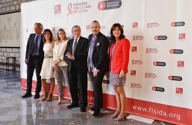 Barcelona da la cara por el sida 6