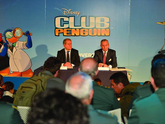 06_Firma_convenio_GC_Disney.jpg_cmyk