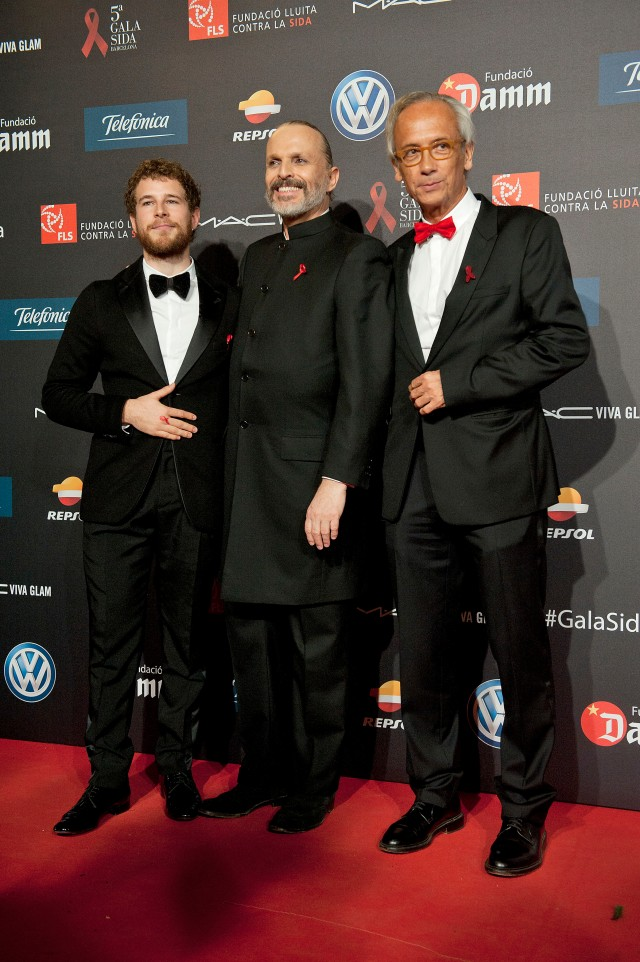Alvaro Cervantes, Miguel Bosé, Dr. Clotet