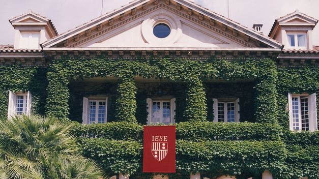 Campus-IESE-Barcelona_TINIMA20120802_0346_20