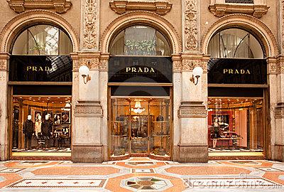 boutique-de-prada-en-milano-16396134