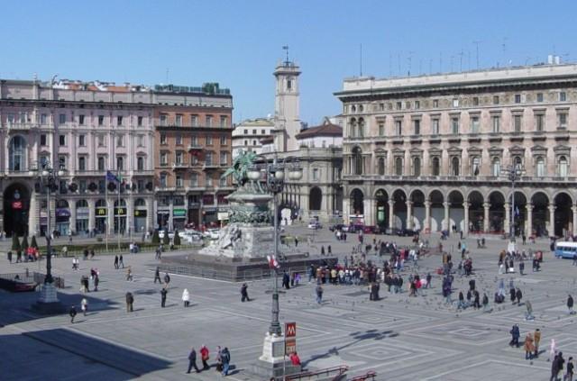 Plaza-del-Duomo-de-Milan