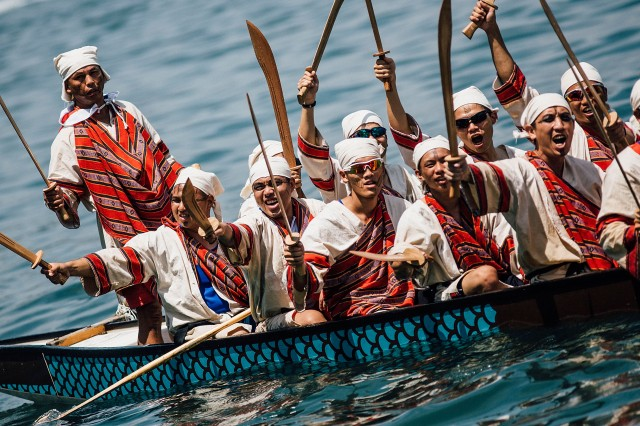 HONG KONG - JULY 05:  Competitors dressing in costumes paddle their boats during the Hong Kong Airlines Fancy Dress Race at the Hong Kong Dragon Boat Carnival Race on July 5, 2015 in Hong Kong, Hong Kong. The Hong Kong Dragon Boat Carnival will be staged from 3 July 2015 (Friday) to 5 July 2015 (Sunday). The carnival featured two key programmes: the CCB (Asia) Hong Kong International Dragon Boat Races in Victoria Harbour and the San Miguel BeerFest at the UC Centenary Garden in East Tsim Sha Tsui.  (Photo by Anthony Kwan/Getty Images for Hong Kong Images)