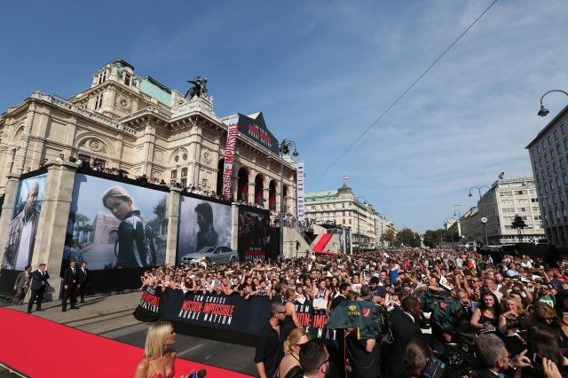 VIENNA, AUSTRIA - JULY 23:  Fans attend the world premiere of 'Mission: Impossible - Rogue Nation' at the Opera House (Wiener Staatsoper) on July 23, 2015 in Vienna, Austria.  (Photo by Gisela Schober/Getty Images for Paramount Pictures International)