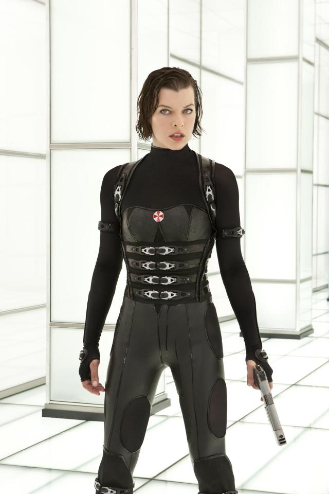 still-of-milla-jovovich-in-resident-evil--retribution-(2012)-large-picture