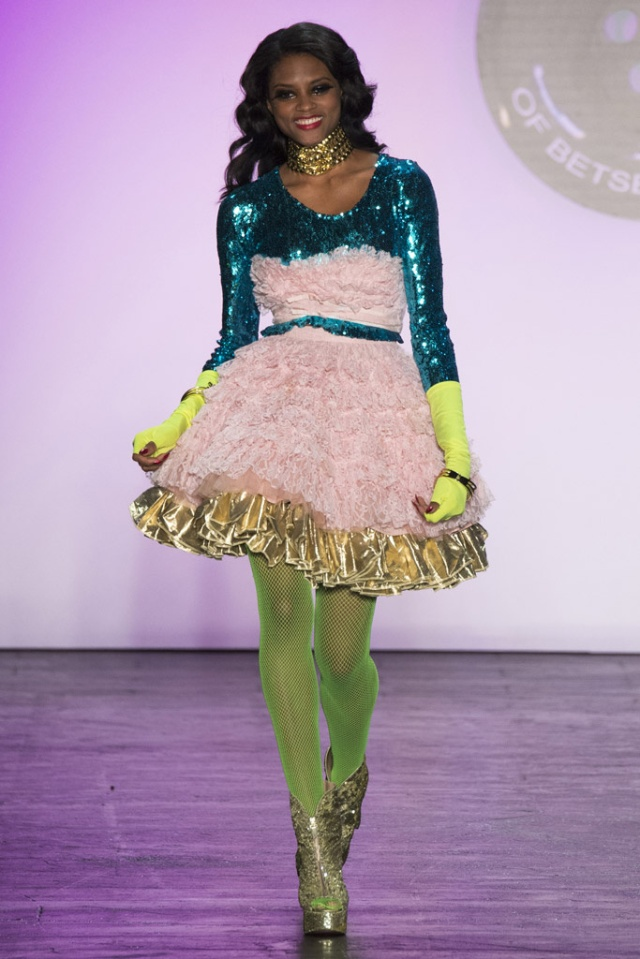 betsey_johnson_pasarela_216824645_683x