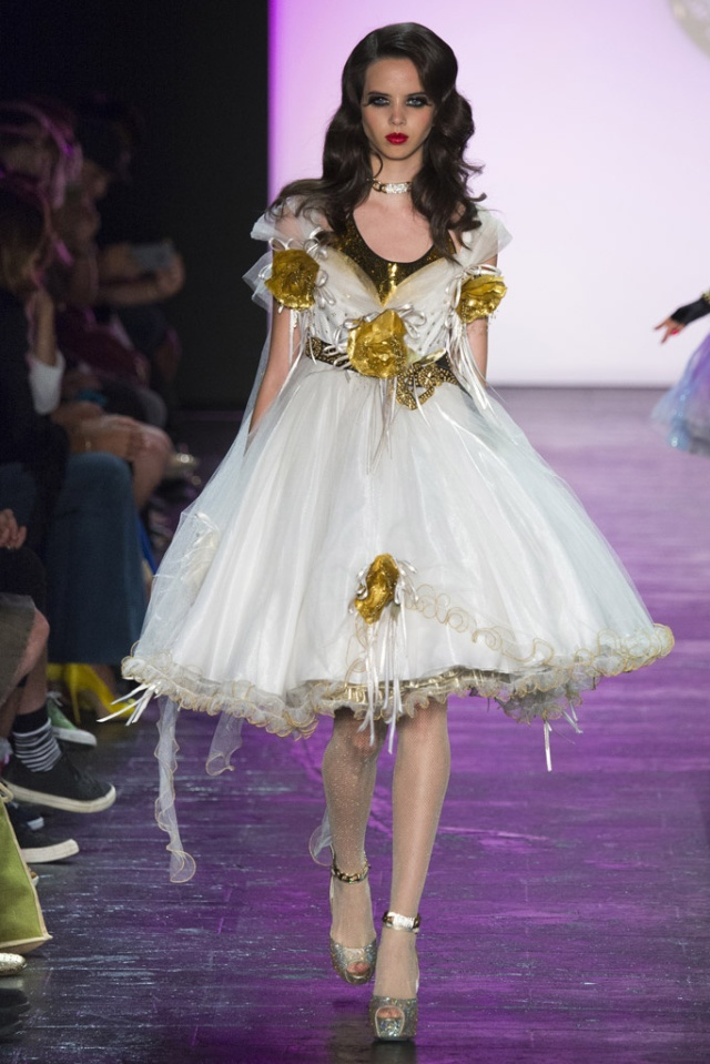 betsey_johnson_pasarela_738644886_683x