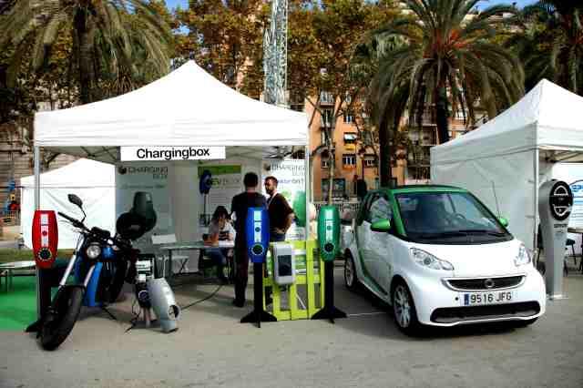 Stands de las diferentes marcas durante la 5º edición de EXPOELECTRIC en Barcelona 17 y 18 de Octubre 2015.Fotos: M. J. Rasero y R. Duaso