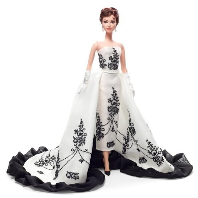 Barbie-Collector-Audrey-Hepburn-Sabrina-Doll-990x993